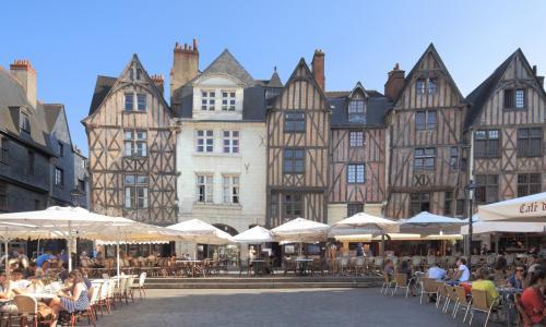 Place plumereau - source www.tours-tourisme.fr